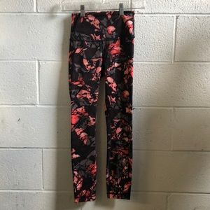 Lululemon multi color hi waist 7/8 legging sz 2
